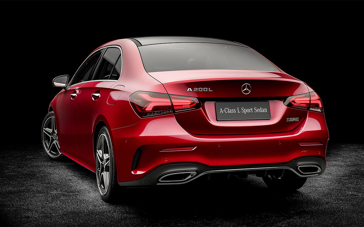 Mercedes Benz A Class L Sedan trasera fx