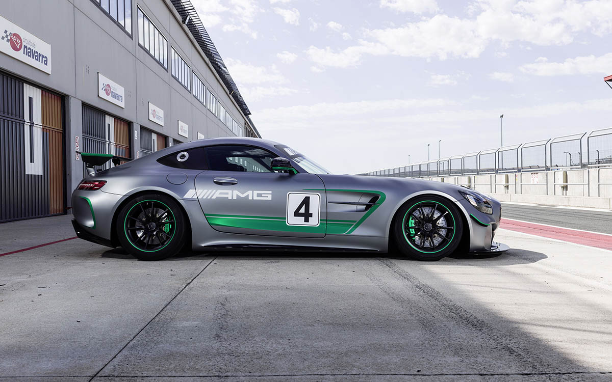 Mercedes AMG GT4 lateral fx