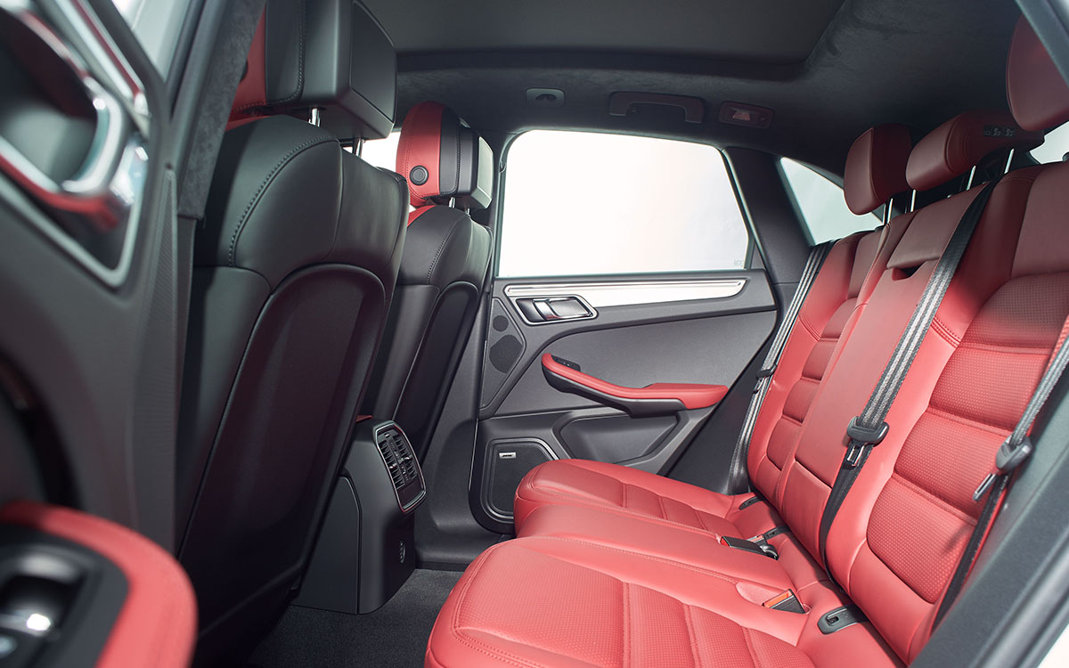 Porsche Macan Turbo Performance Package interior butacas fx
