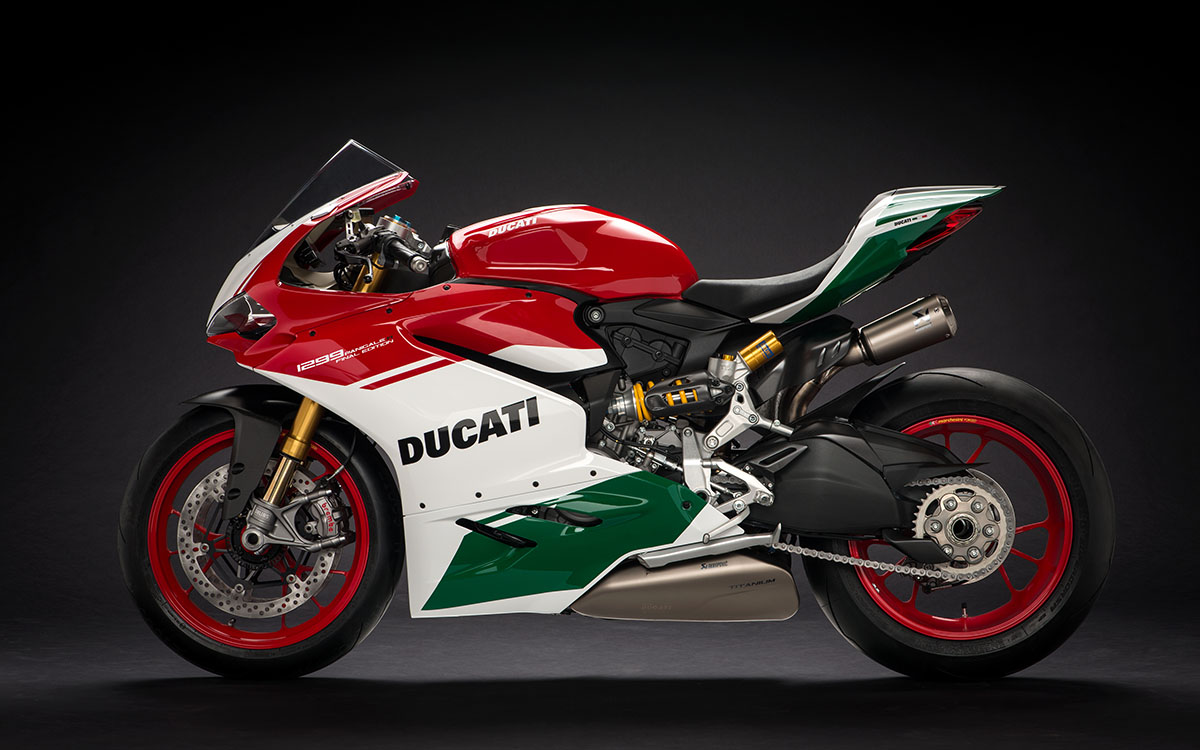 26 1299 Panigale R Final Edition 02 fx