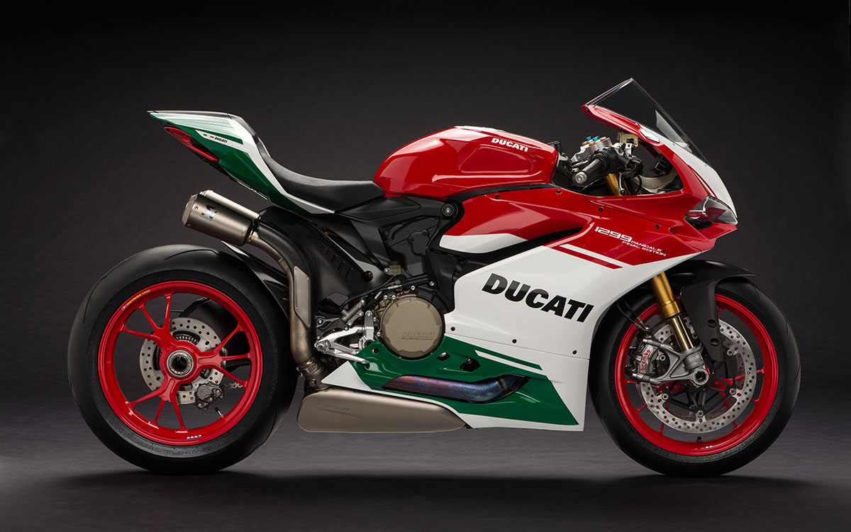 27 1299 Panigale R Final Edition 01 fx