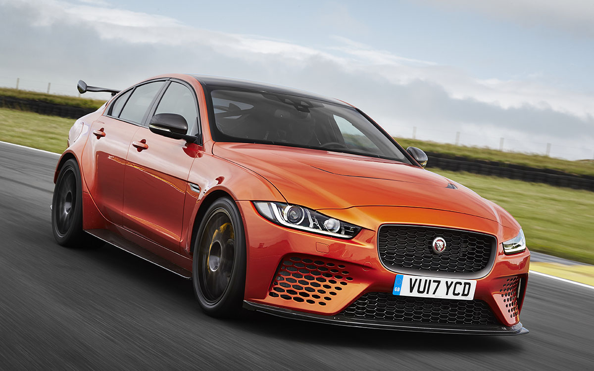 Jaguar XE SV Project 8 Frente 3 4 fxx