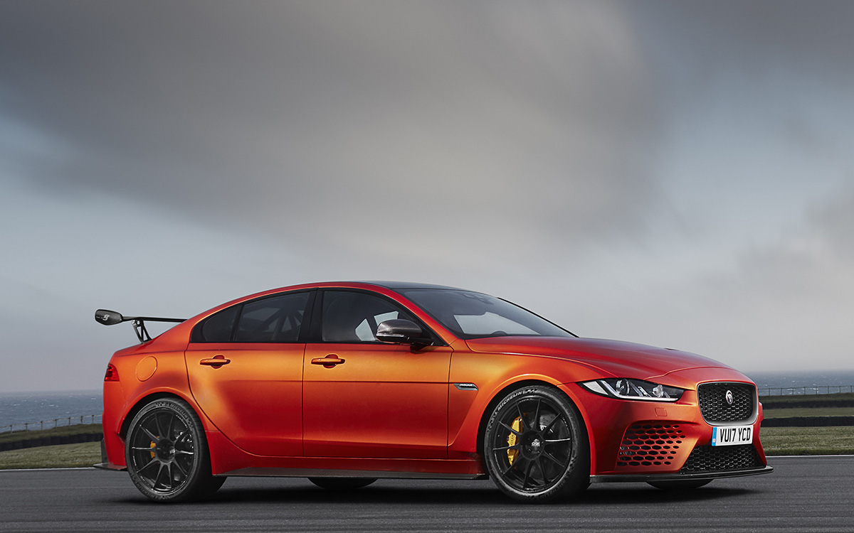 Jaguar XE SV Project 8 Nubes fxx