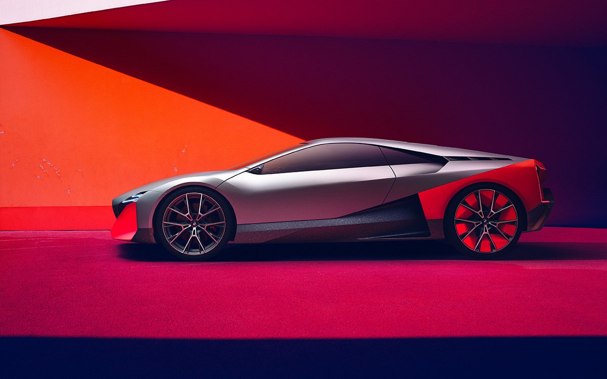 BMW Vision M NEXT lateral red fx