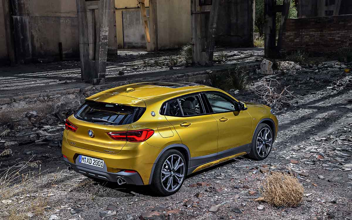 BMW X2 trasera lateral fx