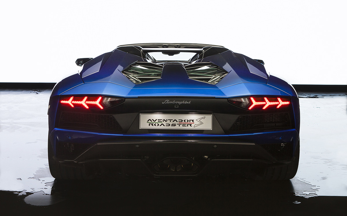 Aventador S Roadster 50th Anniversary Japan Edition trasera fx