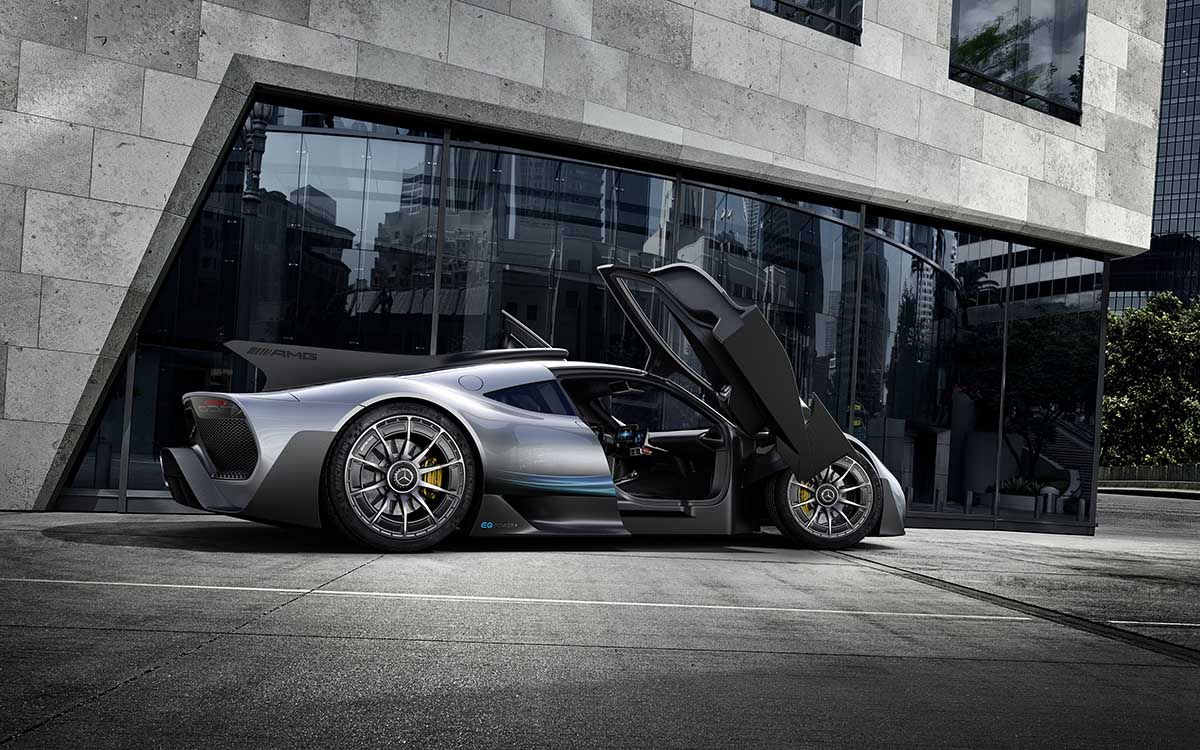Mercedes AMG Project ONE lateral edificio fx