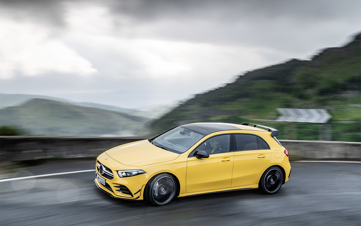 Mercedes AMG A 35 4MATIC lateral movi fx
