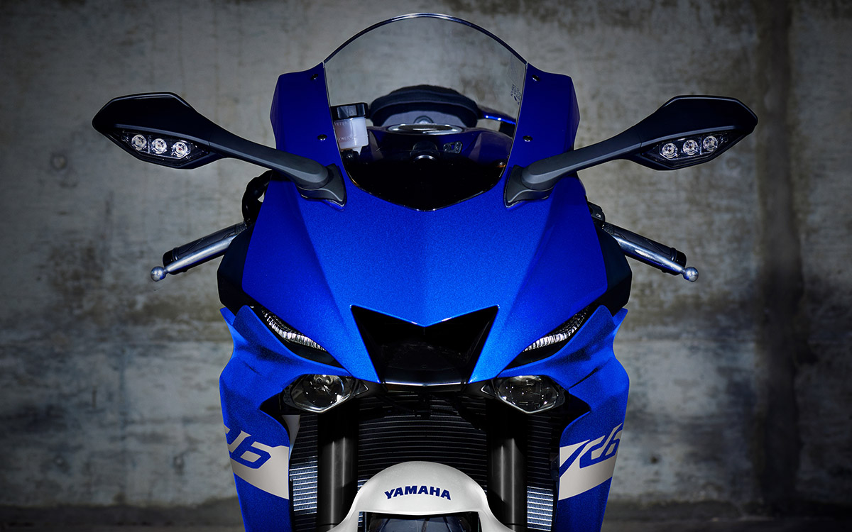 Yamaha YZF R6 frontal fx